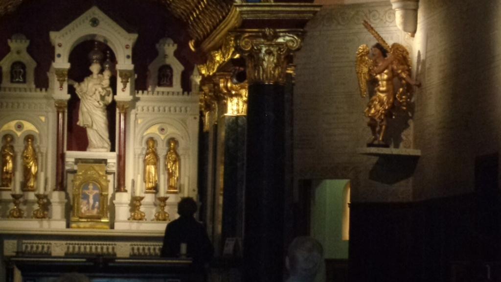 Petit intermède... Semaine du 15 août consacrée à Marie, Notre Très Sainte Mère. Dsc02414