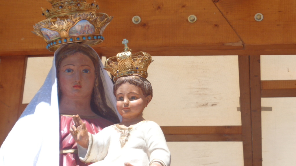 Petit intermède... Semaine du 15 août consacrée à Marie, Notre Très Sainte Mère. Dsc02424