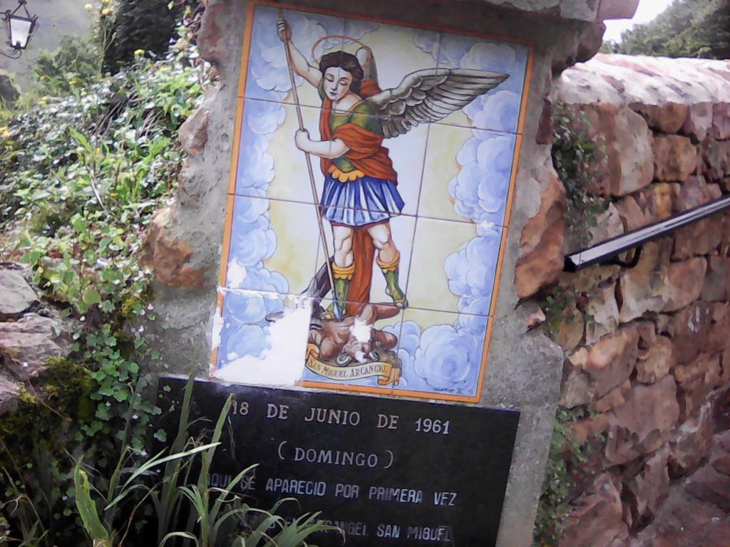 Que Notre Dame de Garabandal nous bénisse tous ! Img00612