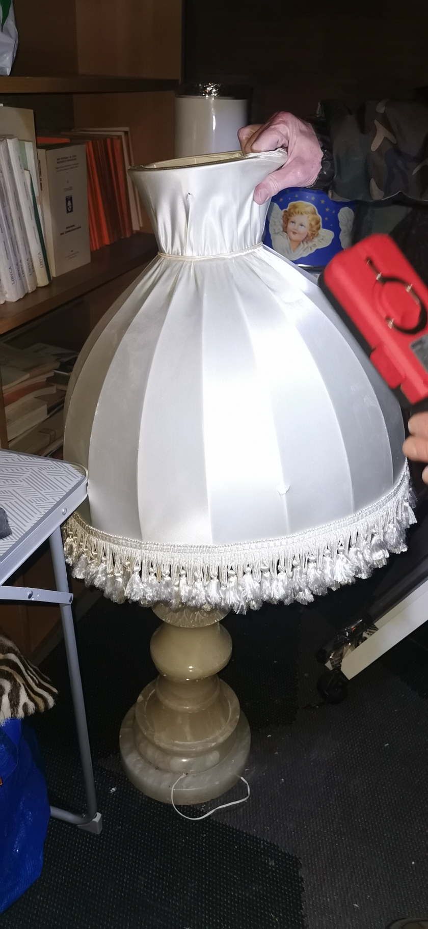pied de lampe albatre ?  Img_2071