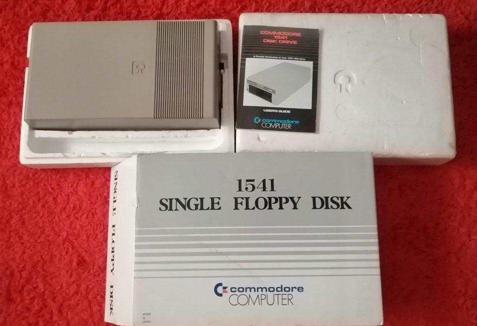 [VDS] Lecteur de disquettes Commodore 1541 en boîte D4d5a611