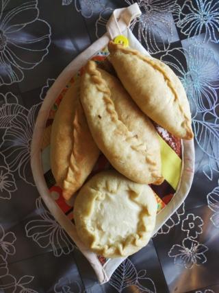 Сибирские пирожки со свежей капустой Img_2012