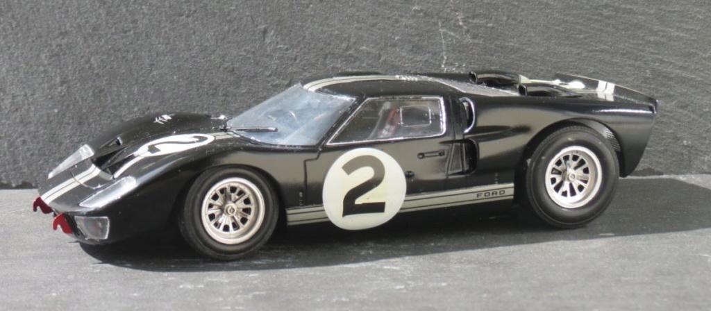 Ford GT40 (au pluriel)  000apt31