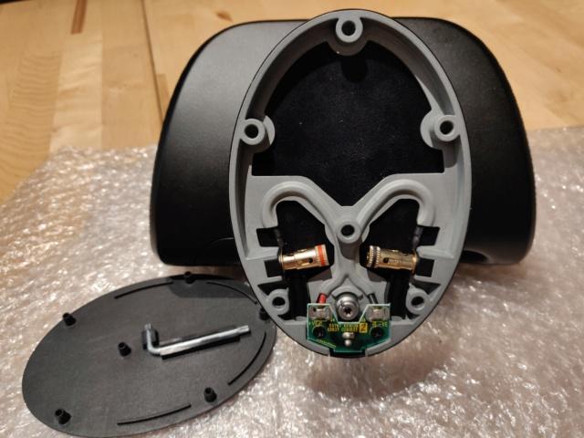 Bowers & Wilkins M-1 Satellite Speaker (single unit) Bottom12