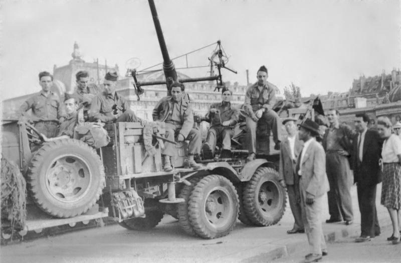 Camion GMC équipé d'un canon de 40 m/m Bofors - marque HOBY BOSS - échelle 1/35 TERMINE. 310
