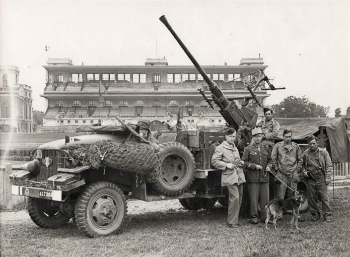 Camion GMC équipé d'un canon de 40 m/m Bofors - marque HOBY BOSS - échelle 1/35 TERMINE. 41730210