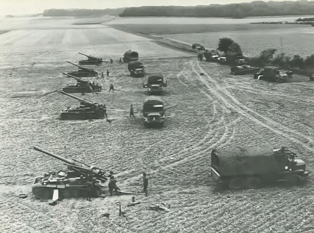 AMX 13 XTA et VTT munitions 1/35 heller  Automo10