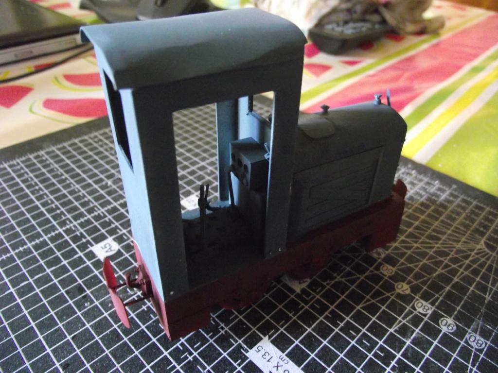 V2 de marque REVELL et locotracteur JUNG en scratch; échelle 1/35  TERMINE Dscf2351