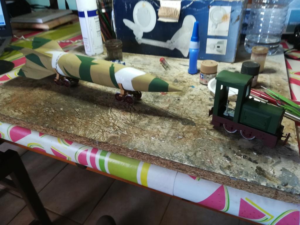 V2 de marque REVELL et locotracteur JUNG en scratch; échelle 1/35  TERMINE Img_2029