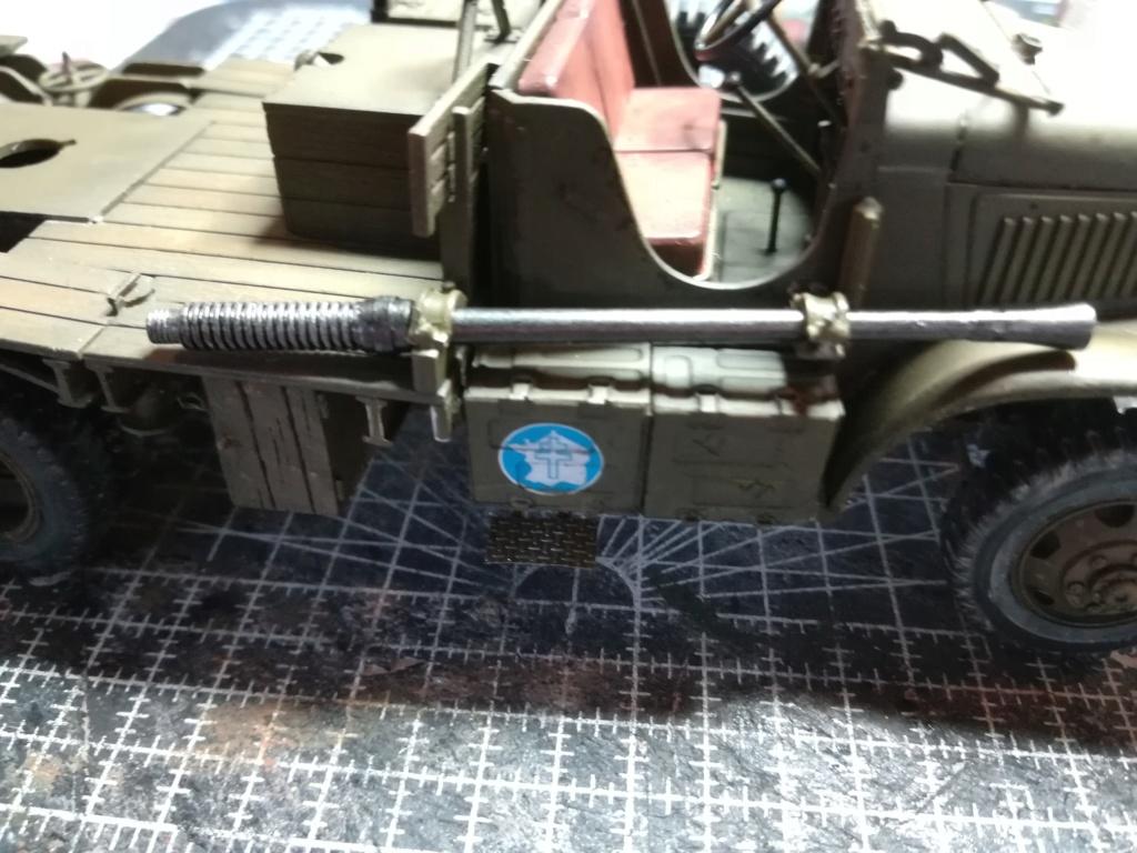 Camion GMC équipé d'un canon de 40 m/m Bofors - marque HOBY BOSS - échelle 1/35 TERMINE. - Page 2 Img_2132