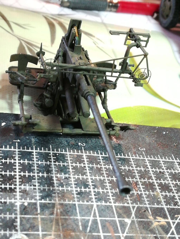Camion GMC équipé d'un canon de 40 m/m Bofors - marque HOBY BOSS - échelle 1/35 TERMINE. - Page 2 Img_2140