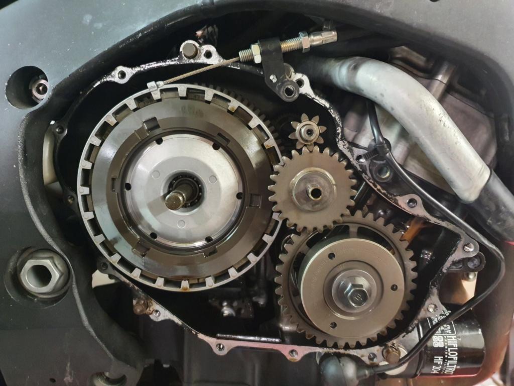 Vis cassé dans le carter moteur CBR 1000 RR 2014 SC59 20201013