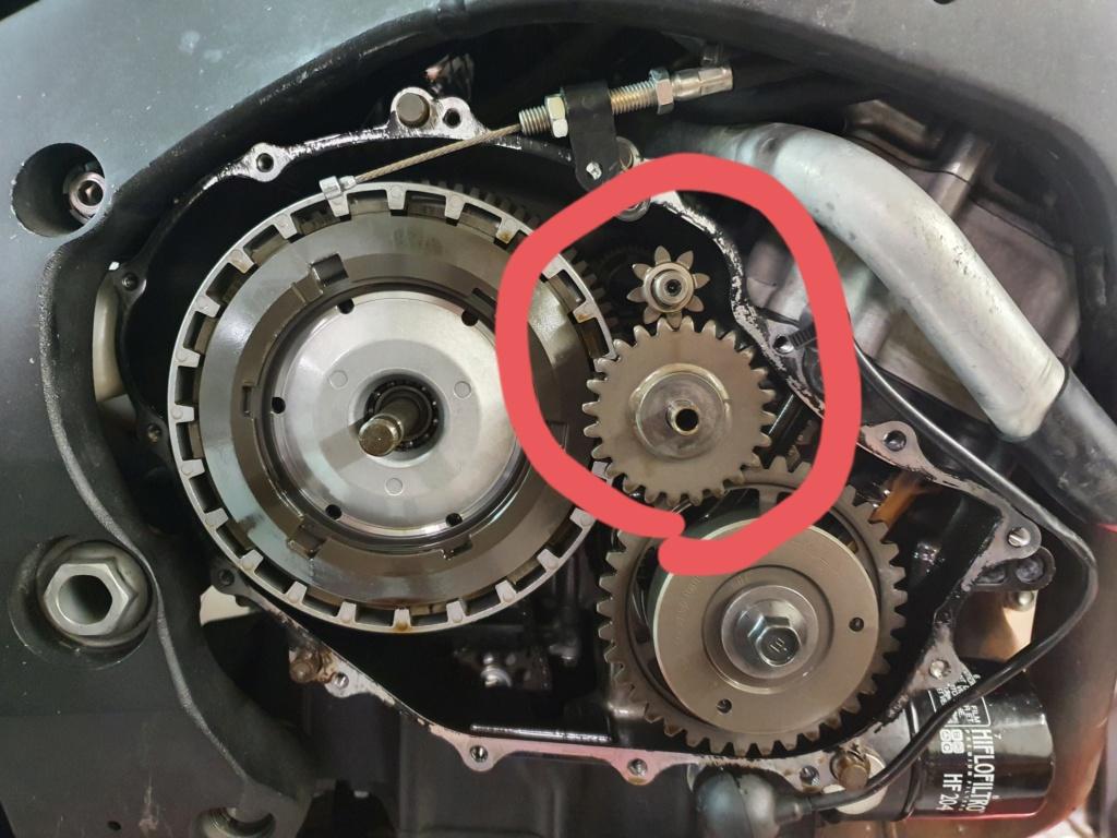Vis cassé dans le carter moteur CBR 1000 RR 2014 SC59 20201014
