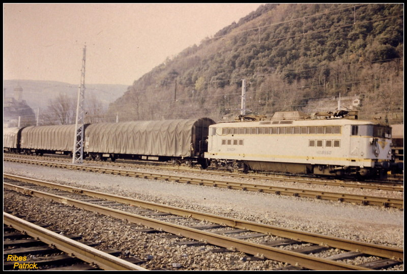 Pk 082,2 : Gare de Foix (09) - Page 13 Pict0013