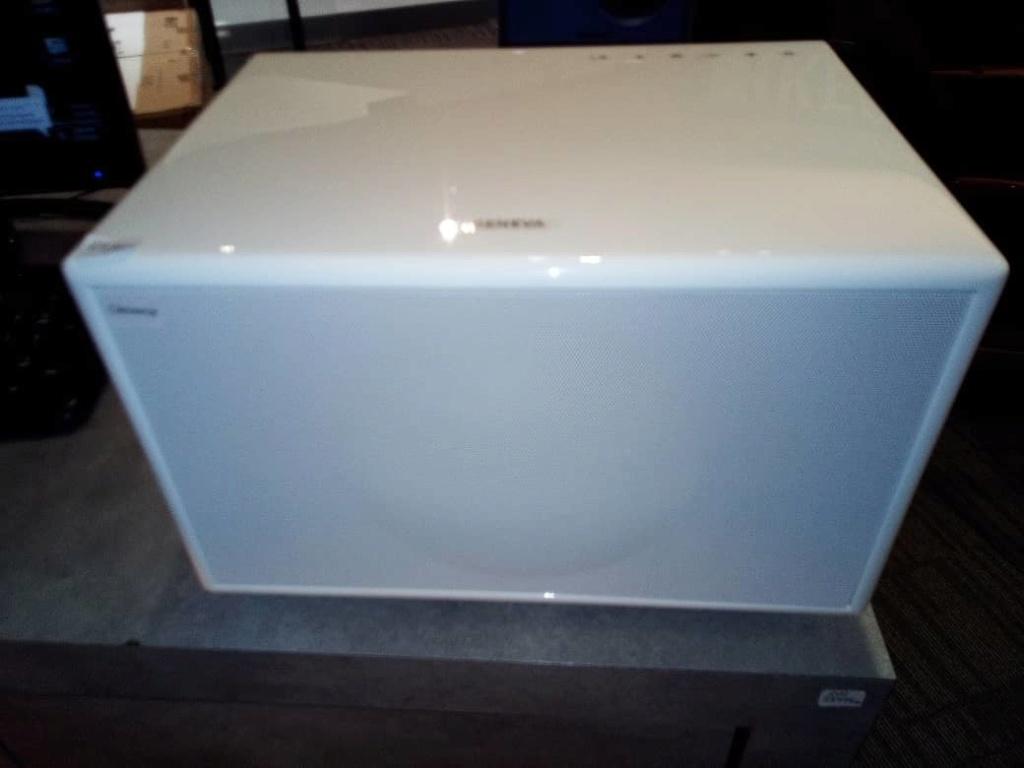 Geneva M bluetooth speaker 2bad4d10