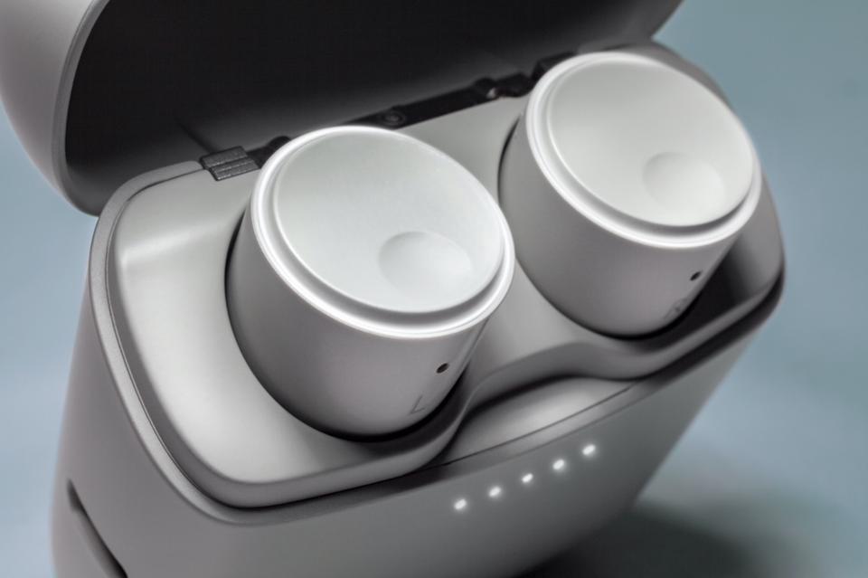 Cambridge Audio Melomania 1S wireless earphone 960x010