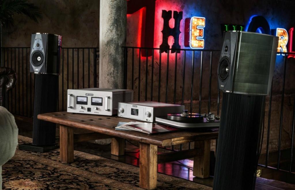 Audio Research  pre & poweramp Audio-12