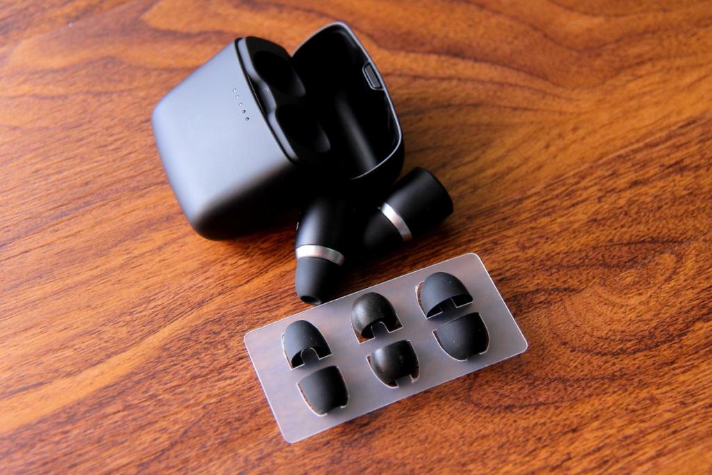 Cambridge Audio Melomania 1S wireless earphone Cambri14