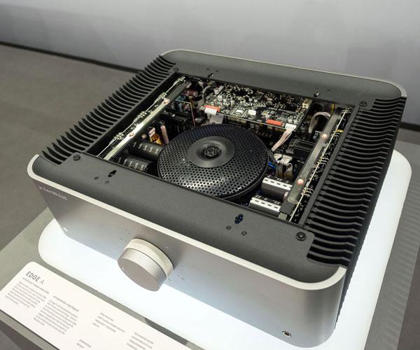 cambridge audio Edge A amplifier Cambri29