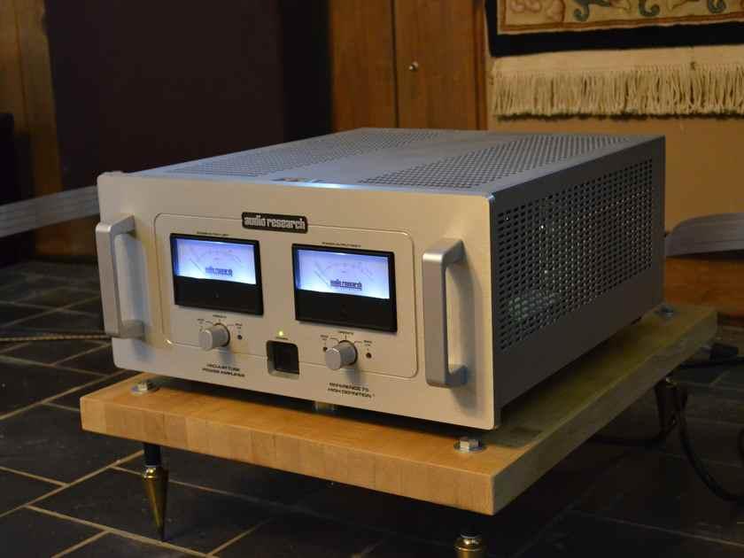 Audio Research  pre & poweramp Downlo13