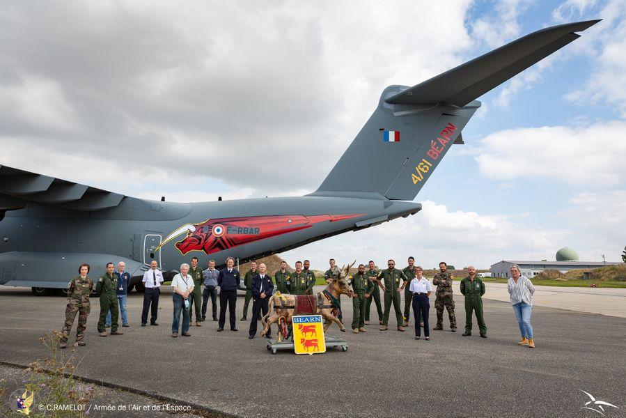 L' armée de l'air et la 33 reconstituée sur la base de Cognac. 24105210