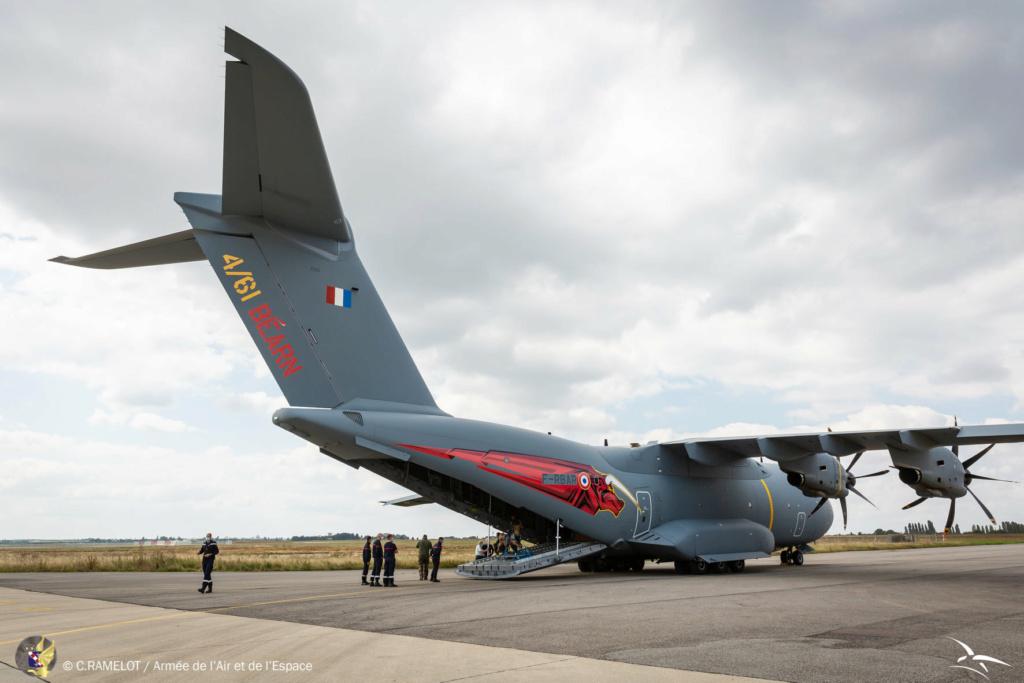 L' armée de l'air et la 33 reconstituée sur la base de Cognac. 24116210