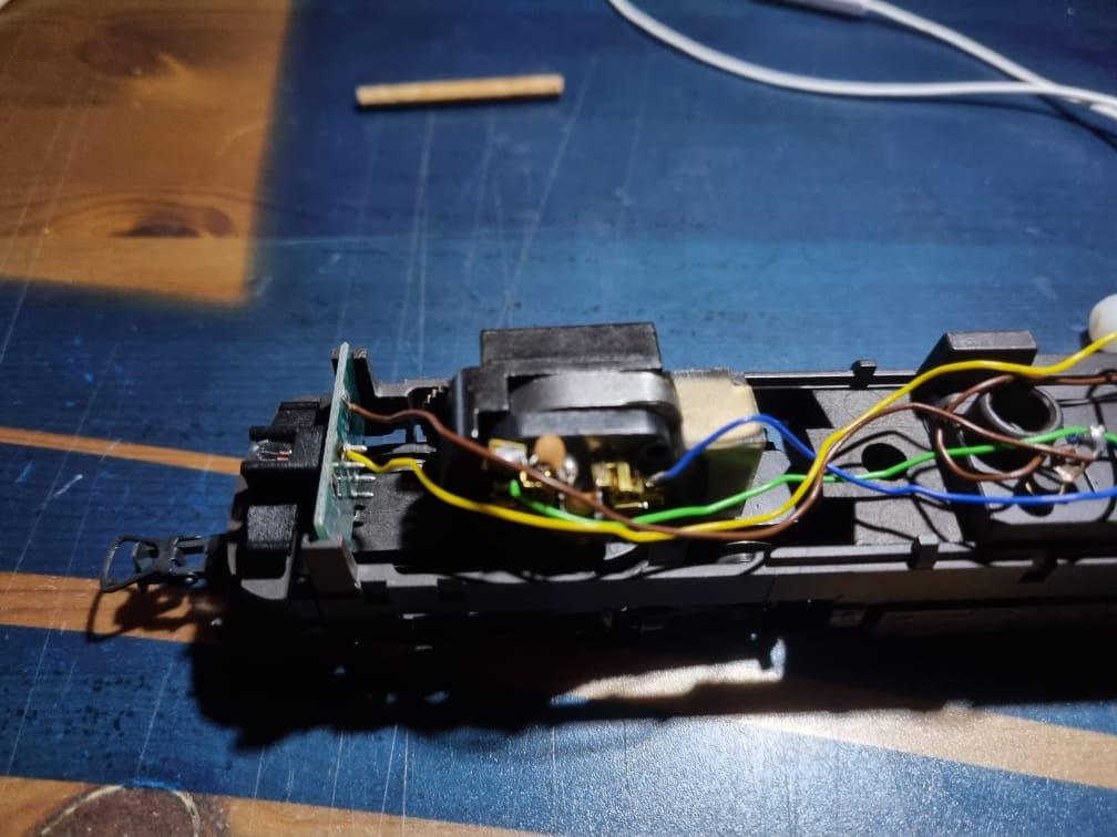 Comment digitaliser une 1800 CFL Märklin Hamo ? Intzor13