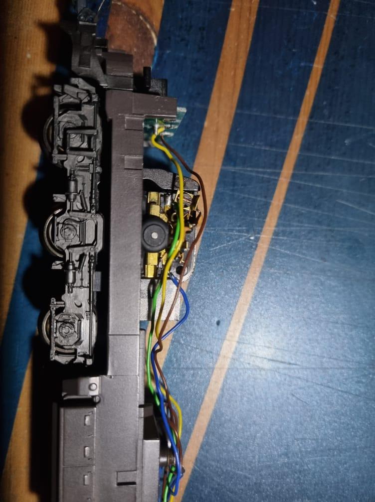 Comment digitaliser une 1800 CFL Märklin Hamo ? Intzor16