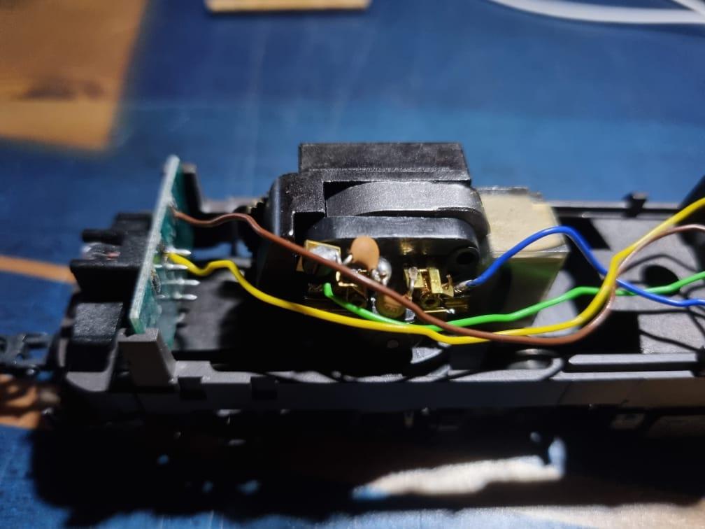 Comment digitaliser une 1800 CFL Märklin Hamo ? Intzor17