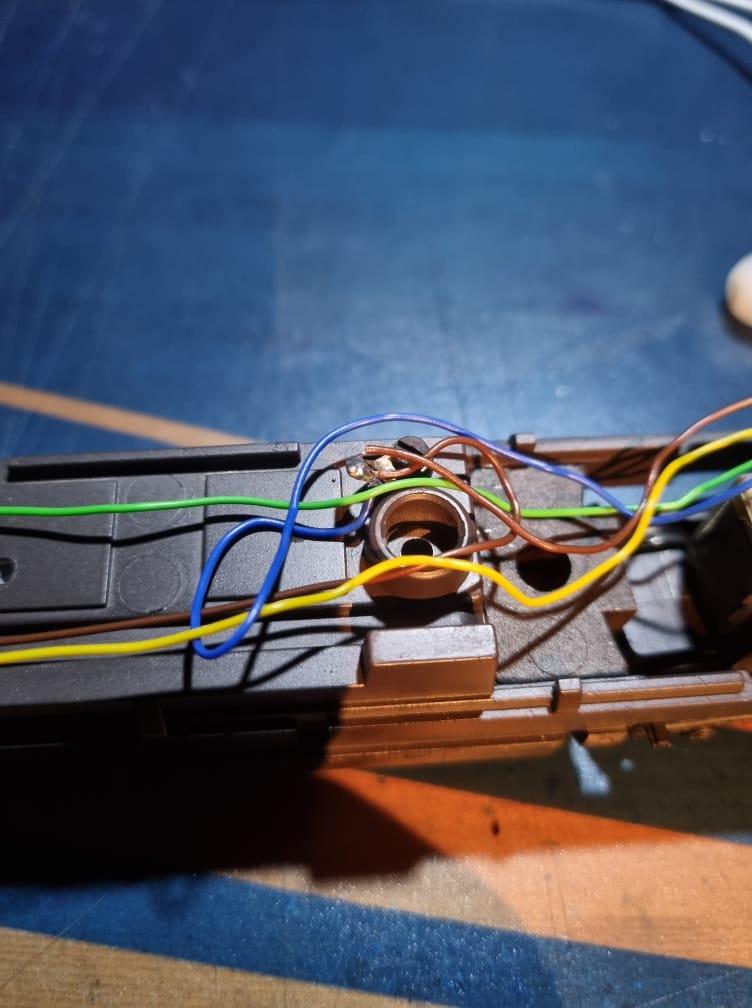 Comment digitaliser une 1800 CFL Märklin Hamo ? Intzor18