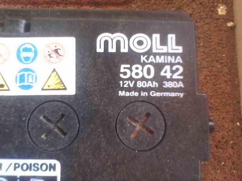Comment retirer la batterie pour la remplacer ? - Tutoriel Boxster 986 Batter11