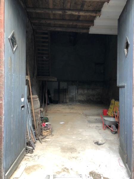 Un garage qui déborde sur la rue - Page 9 Img_2210
