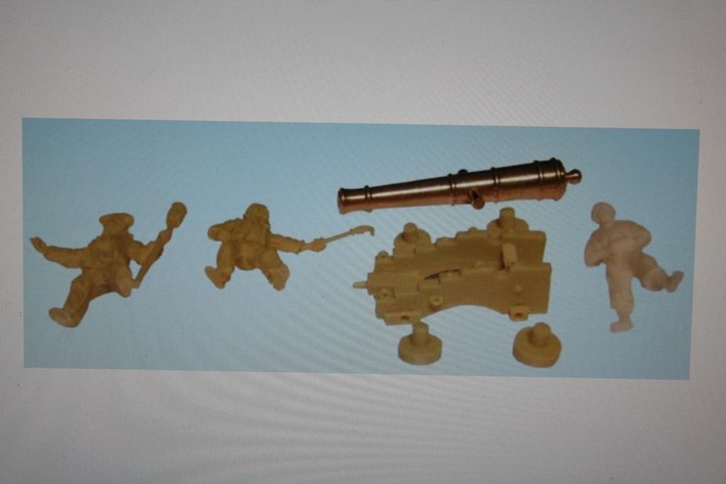 LA TOULONNAISE, goelette de 1823 au 1/75 par parellum, sous voiles, et photos Musée de la Marine - Page 3 Img_3768