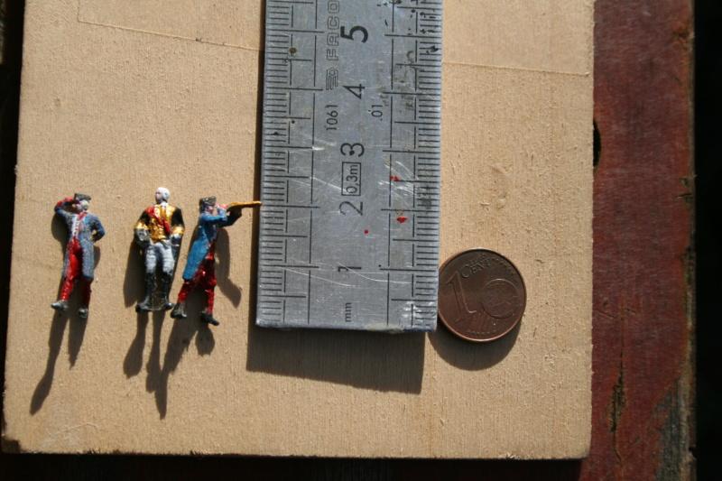 Figurines d'officiers et de marins au 1/90 Img_4363
