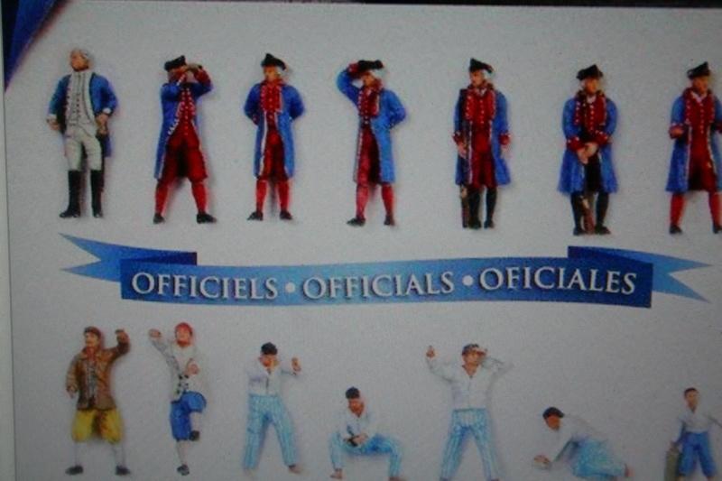 Figurines d'officiers et de marins au 1/90 Img_4368