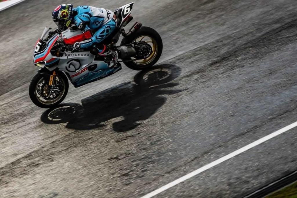 Ducati s'engage en endurance ! 79277610