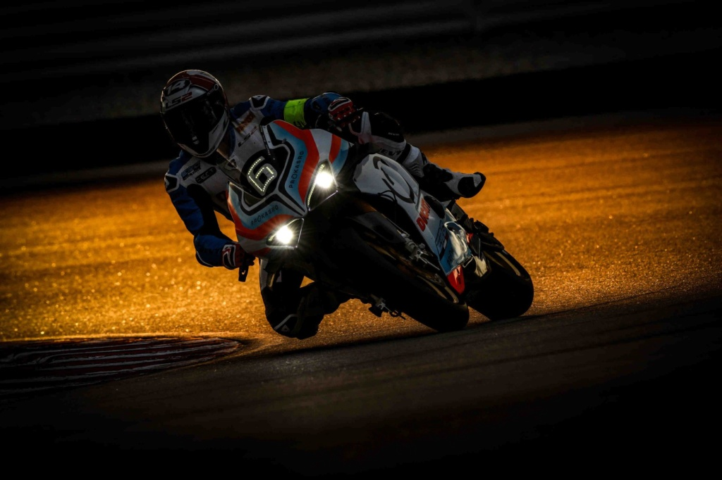Ducati s'engage en endurance ! 79373610