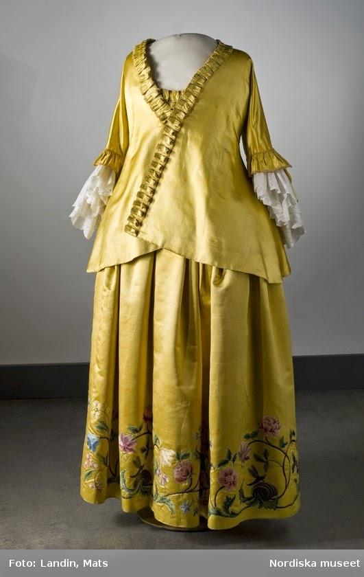 Les robes de grossesse au XVIIIème siècle 1356