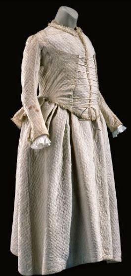Les robes de grossesse au XVIIIème siècle 1357