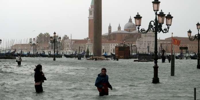 Voir Venise,   et mourir ... - Page 3 263