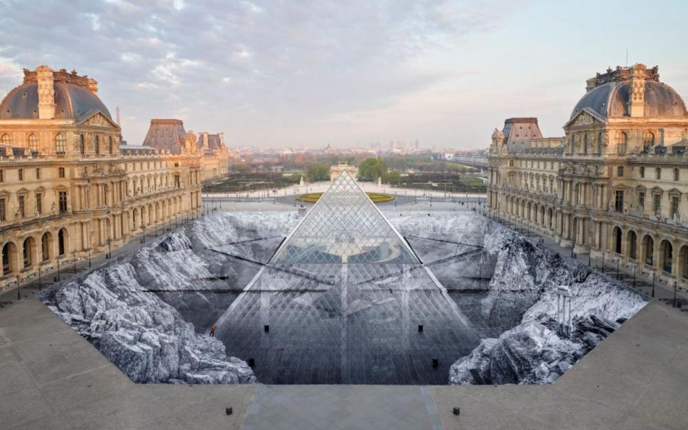 Les 30 ans de la pyramide du Louvre - Page 2 3174