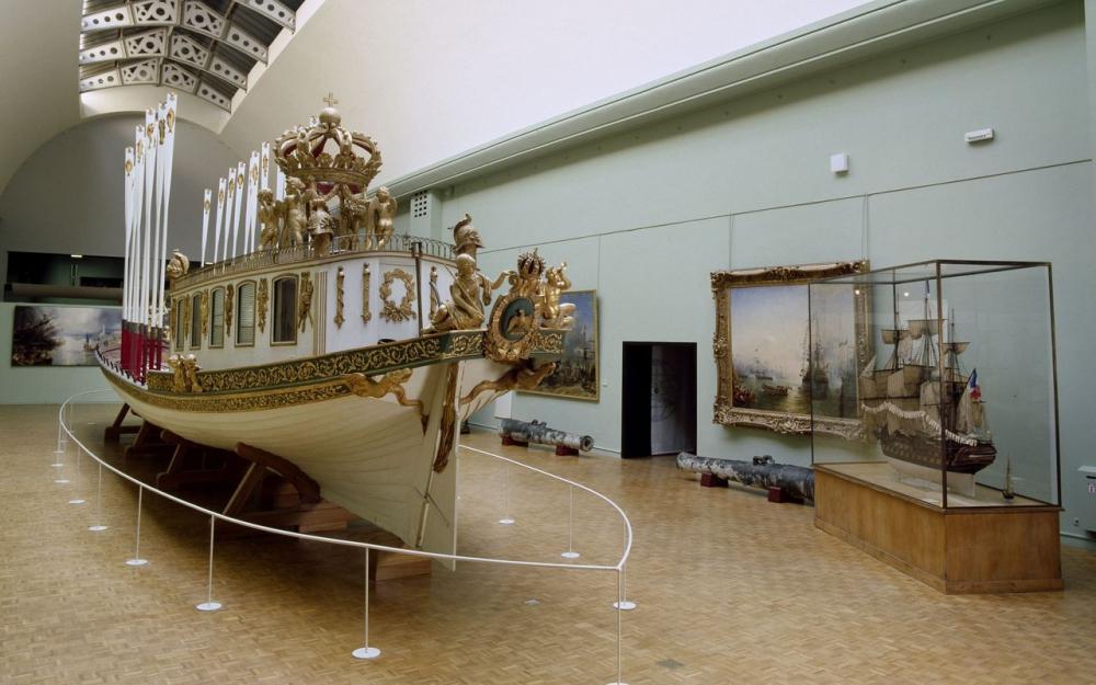 """Le """"Canot impérial"""" de Napoléon quitte le musée de la Marine  375"""