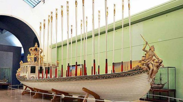 """Le """"Canot impérial"""" de Napoléon quitte le musée de la Marine  377"""