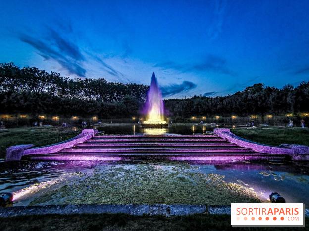 Versailles, Les Grandes Eaux nocturnes 48027810