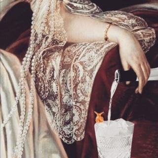 Marie-Antoinette à travers la publicité, à la télévision  - Page 6 79489010