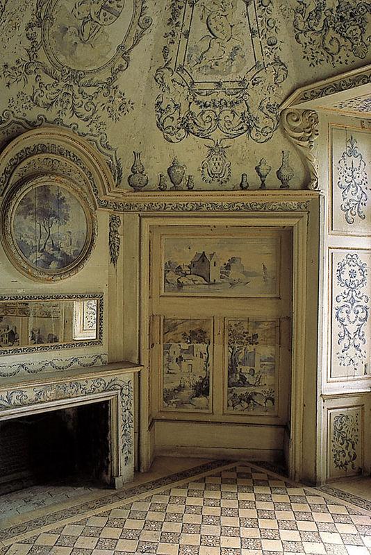 Le château des Ravalet,      et Tocqueville ... 850