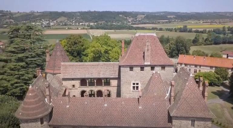 A 30 km au sud de Lyon,  le château de Septème Captur76