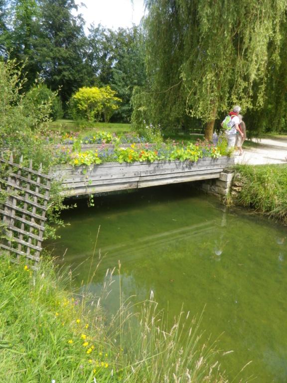 Les jardins du Petit Trianon - Page 4 Imgp0071