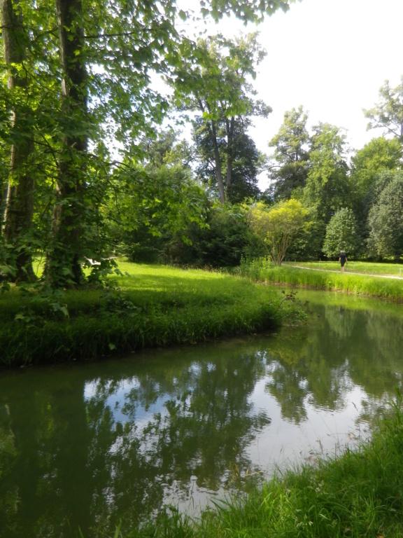 Les jardins du Petit Trianon - Page 4 Imgp0072
