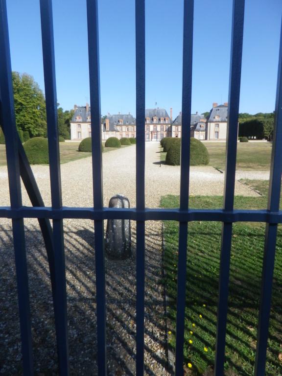 Le château de Breteuil Imgp1244